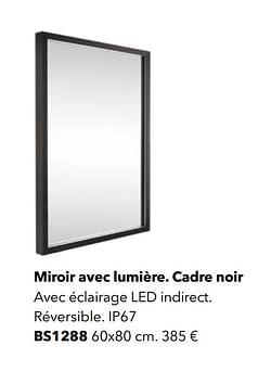 Miroir avec lumière. cadre noir