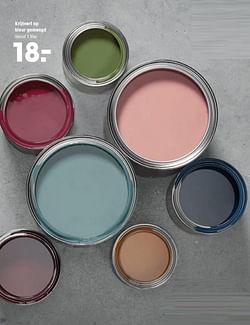 Krijtverf op kleur gemengd