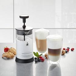 Gefu Melkopschuimer Antonio met 2 latte macchiato-glazen