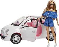 Barbie met haar Fiat 500-Barbie