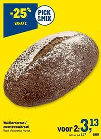Waldkornbrood - zwartewoudbrood-Huismerk - Makro