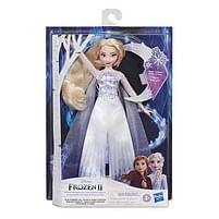 Aanbiedingen Frozen 2 Zingende Elsa 2.0 - Hasbro - Geldig van 11/10/2021 tot 25/10/2021 bij Toychamp